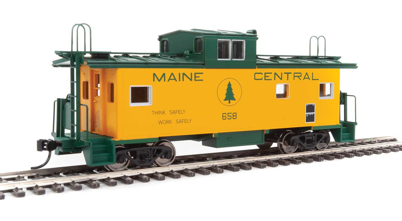 Walthers Mainline HO 910-8755 International Wide-Vision Caboose Maine Central MEC #658