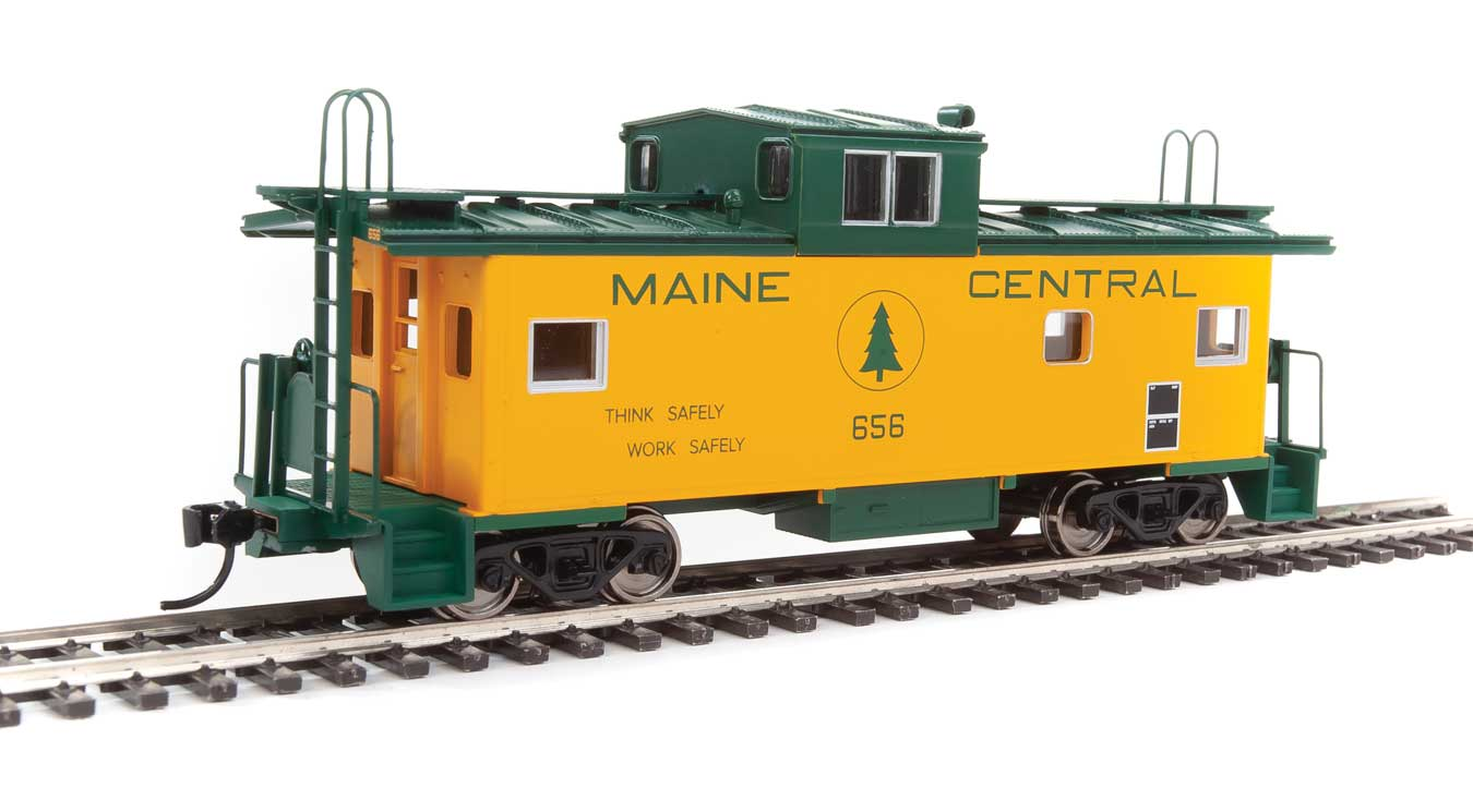 Walthers Mainline HO 910-8756 International Wide-Vision Caboose Maine Central MEC #656