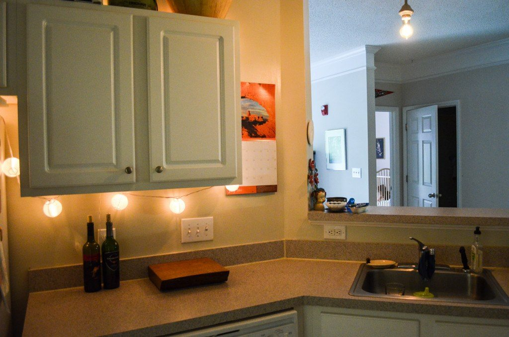Kitchen cabinets before battery undercabinet lights