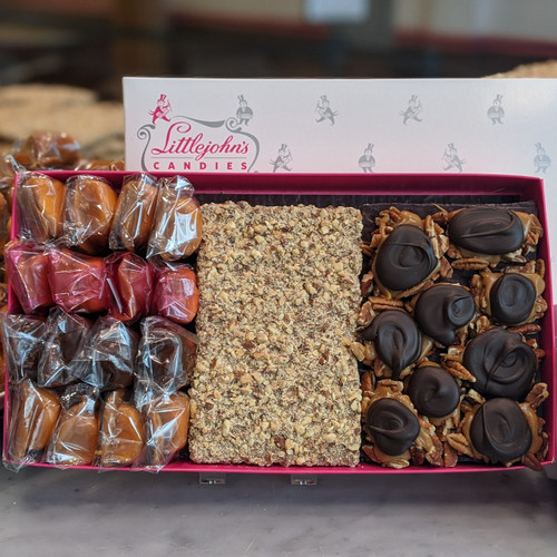 3 lb Gift box with Marshmallow Delights, World Famous English Toffee and Pecan Gadgets