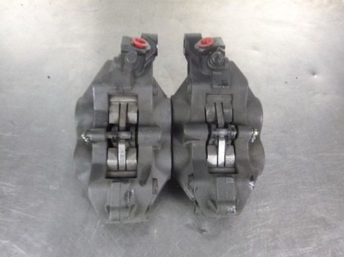 02-06 Triumph Speed Four 4 Front Brake Calipers