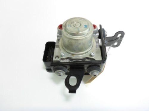 11 Triumph Tiger 1050 ABS Brake Pump Unit System Module S14-K97343