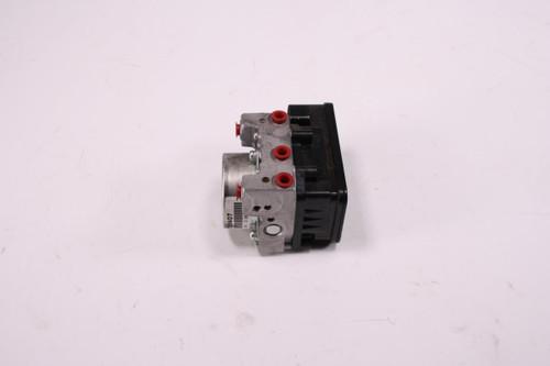 13 Triumph Trophy 1200 SE ABS Anti Lock Brake Unit Pump 26060047