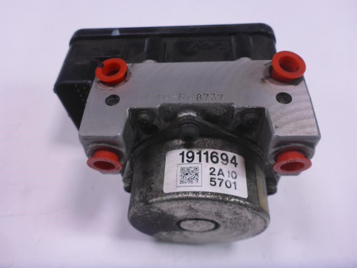 12 Victory Crossroads ABS Anti Lock Brake Unit Pump 1911694