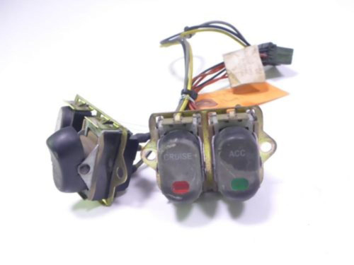 06 Harley Davidson Street Glide FLHXI Cruise Control Switches