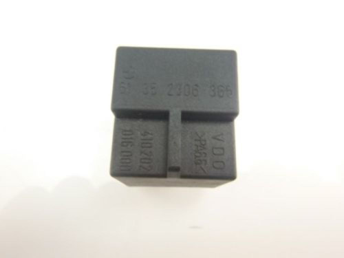 03 BMW R 1150 RT Relay 1890245