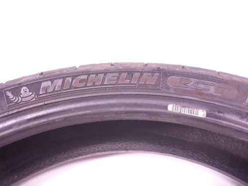 03 BMW R1150RS Front Tire MICHELIN Pilot Road 4 GT 120/70 17