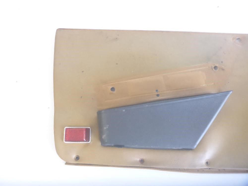 84 Alfa Romeo Spider 2.0 Left Driver Side Interior Door Panel