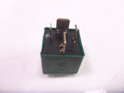 10  BMW S1000RR Relay Green TYCO 6136770417401