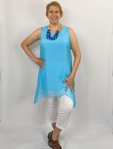 Model wearing medium on rectangle body.