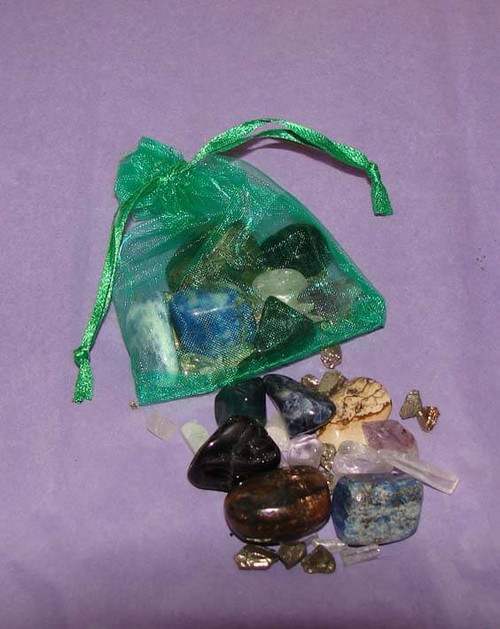 Set of 10 of the best stones for your immune system in a green organza bag