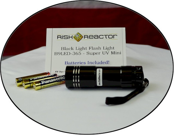 Nine UV LED black light in the shape of a handy flash light at wholesale prices.