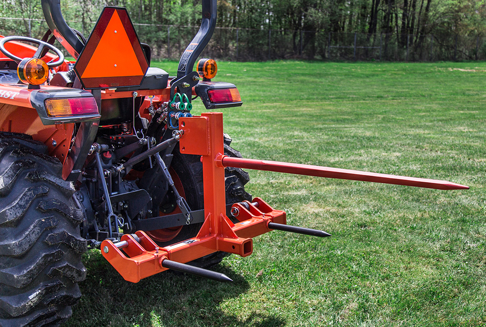 Pinnacle Series Quick-Hitch Bale Spear with Cat-1 & Cat-2 capability.