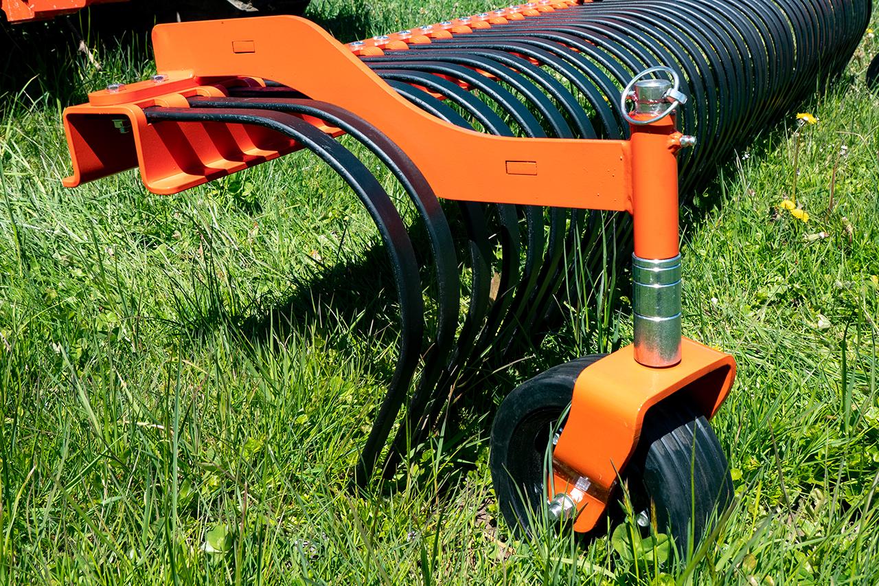 Independence Rake with Wheel Kit