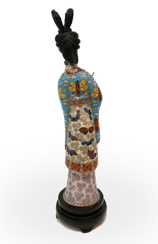 Back side of Japanese lady figurine.