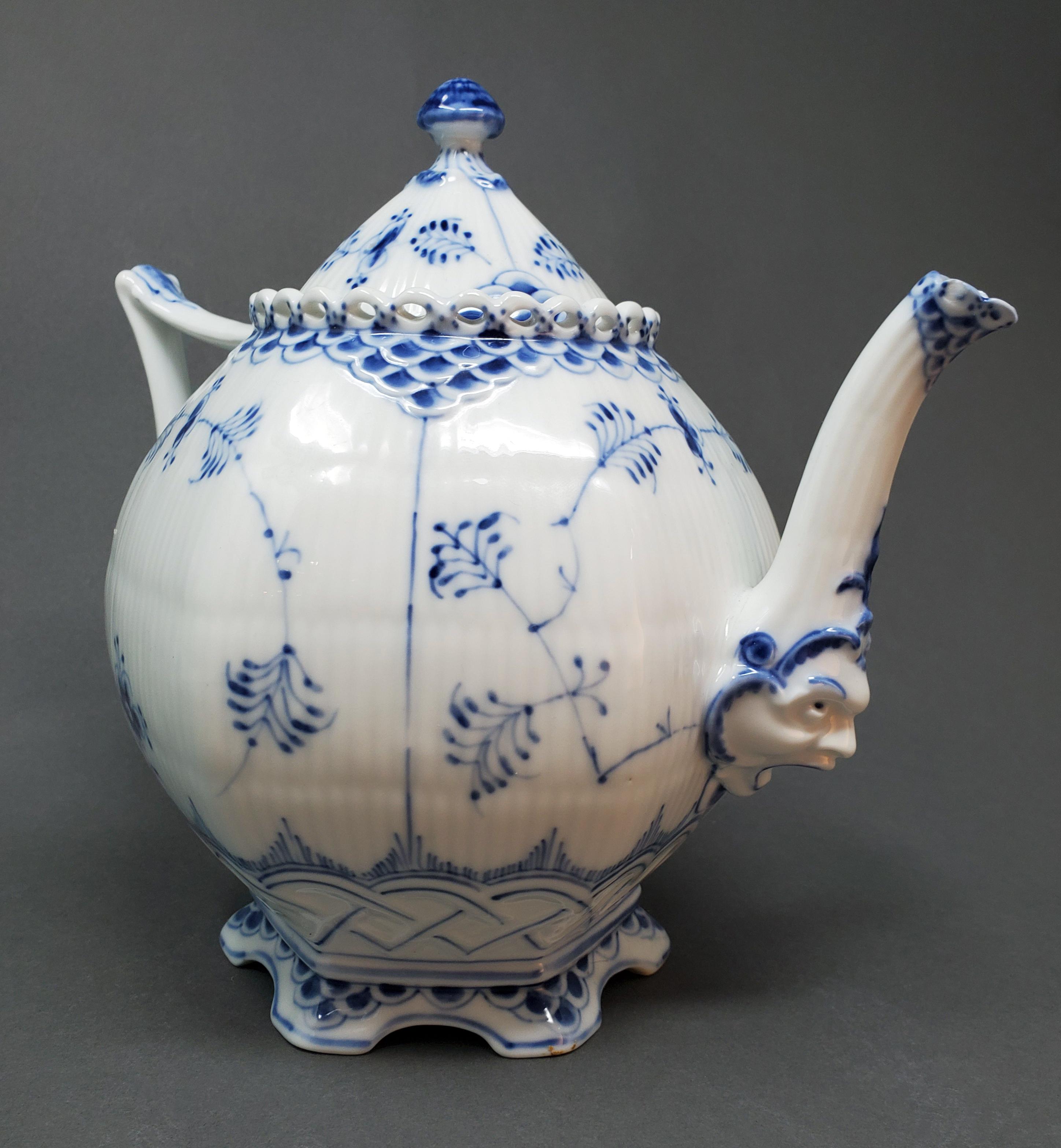 copenhagen-face-teapot-large.jpg