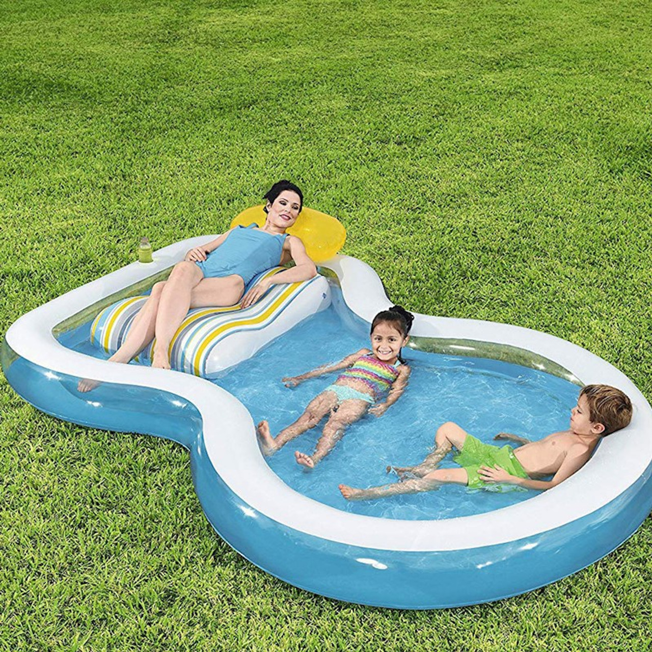 STAYCATION INFLATABLE POOL