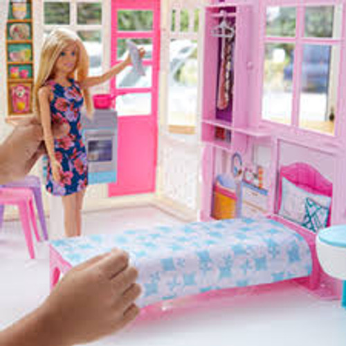 BARBIE HOUSE WITH DOLL