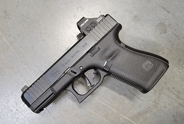 Glock 19 Gen 5 includes Apex Tactical trigger kit, Ameriglo 411 sights, and Holosun 507K