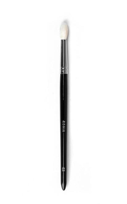 E8: Medium Tapered Crease Blending Brush