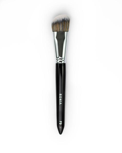 F9 Angled Foundation Brush