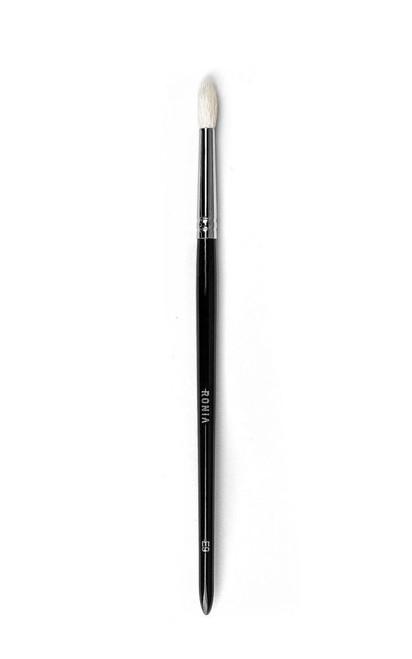 E9: Small Tapered Blending Crease Brush