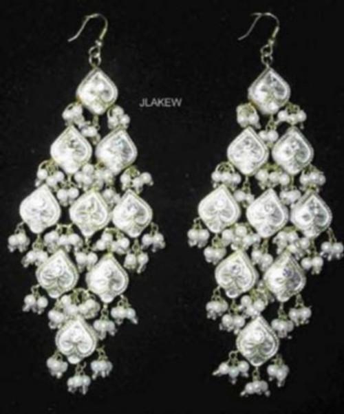 Lak Earrings Large White JLAKE9W
