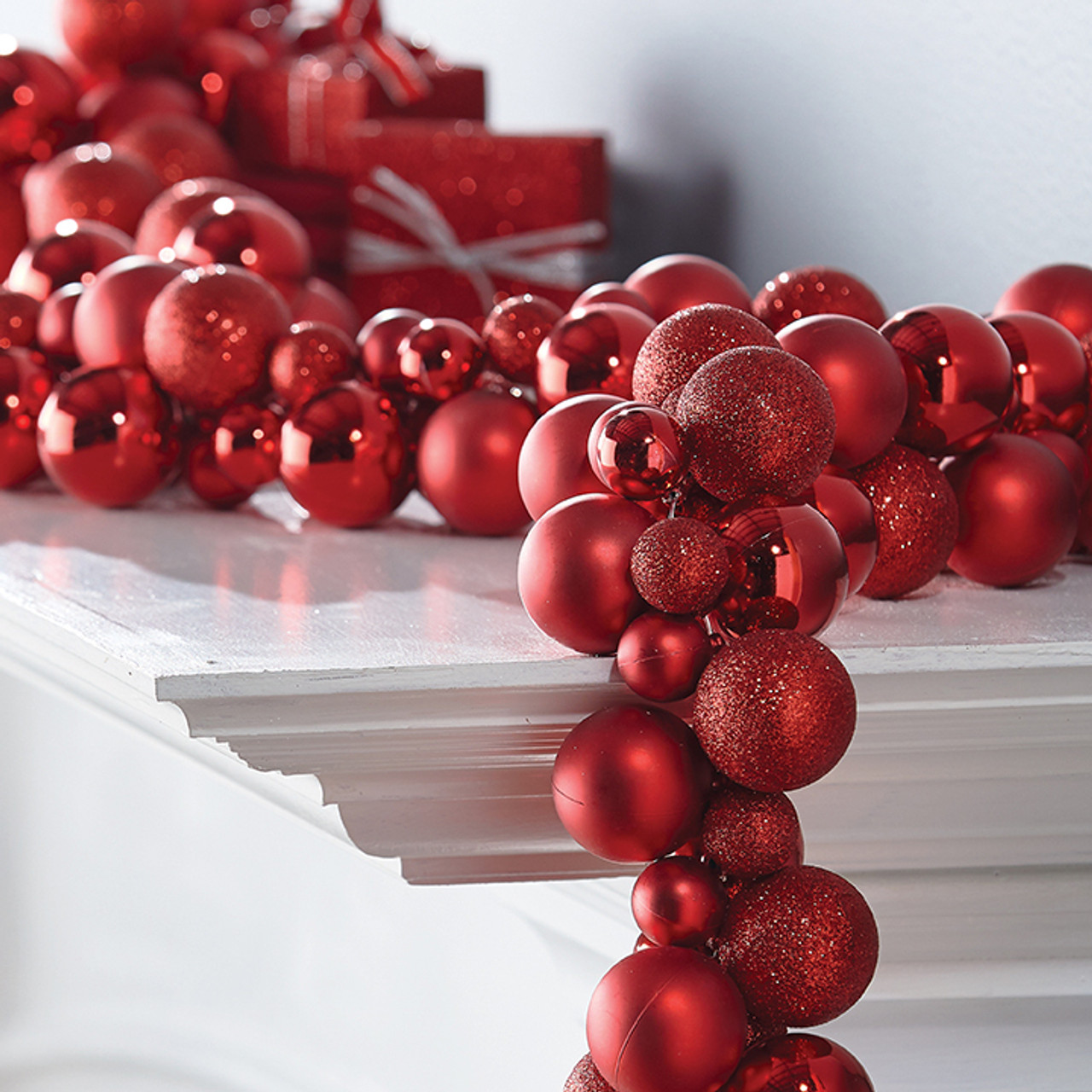 Christmas Ball Garland.Raz 6 Red Ball Christmas Garland G3732012