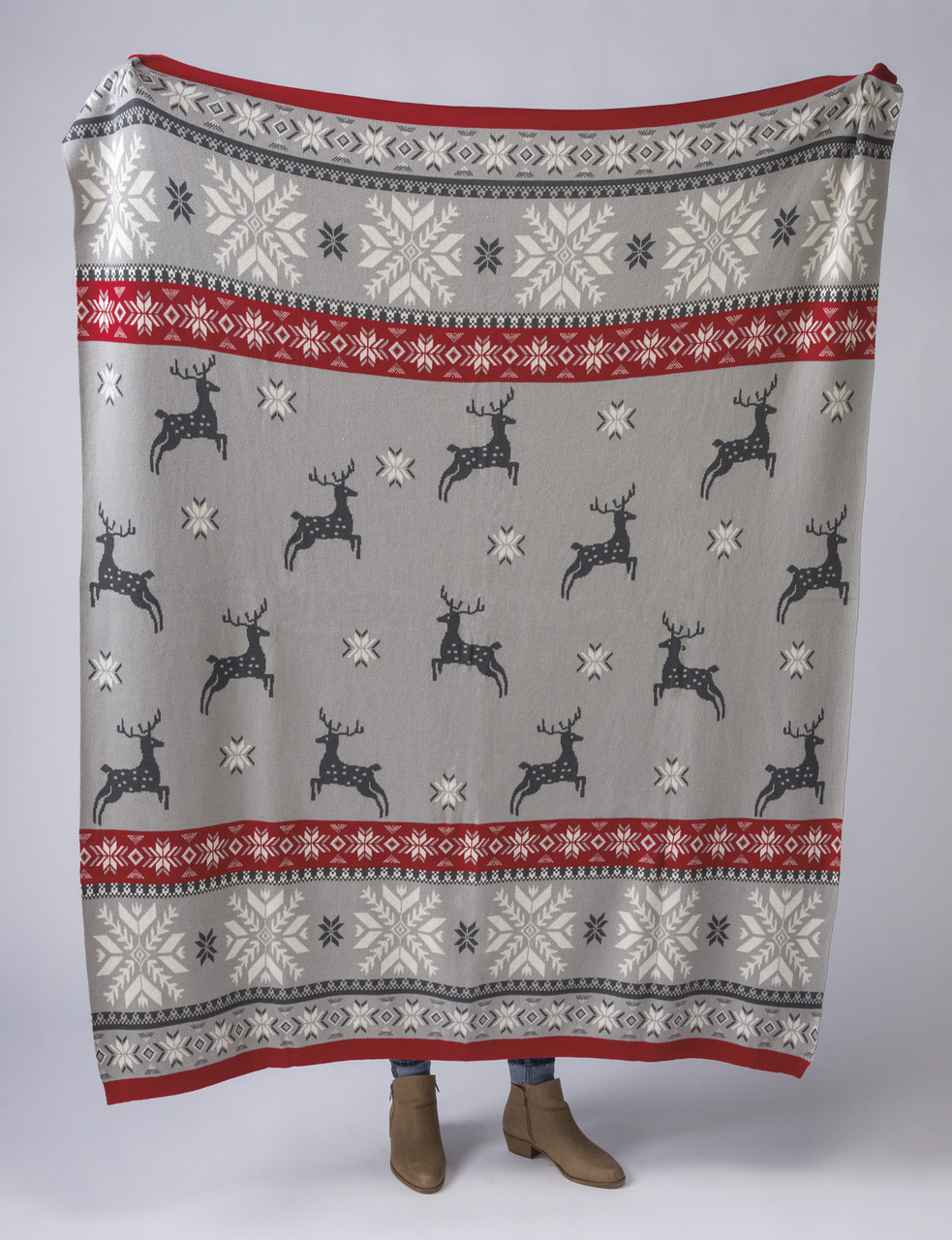CLEARANCE FQ NORDIC CHRISTMAS REINDEER DECORATED DEER SNOWFLAKES FABRIC