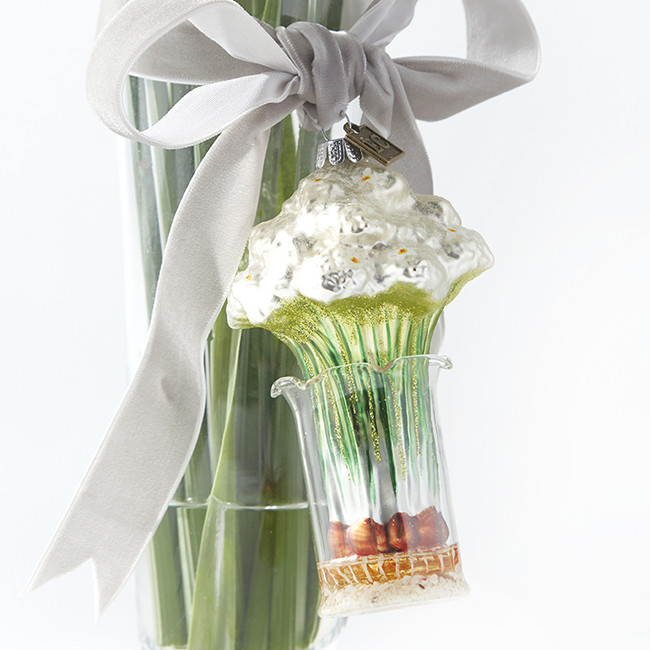 """Raz 4.5"""" Paperwhite Flowers in a Clear Vase Glass Christmas Ornament 3953008"""