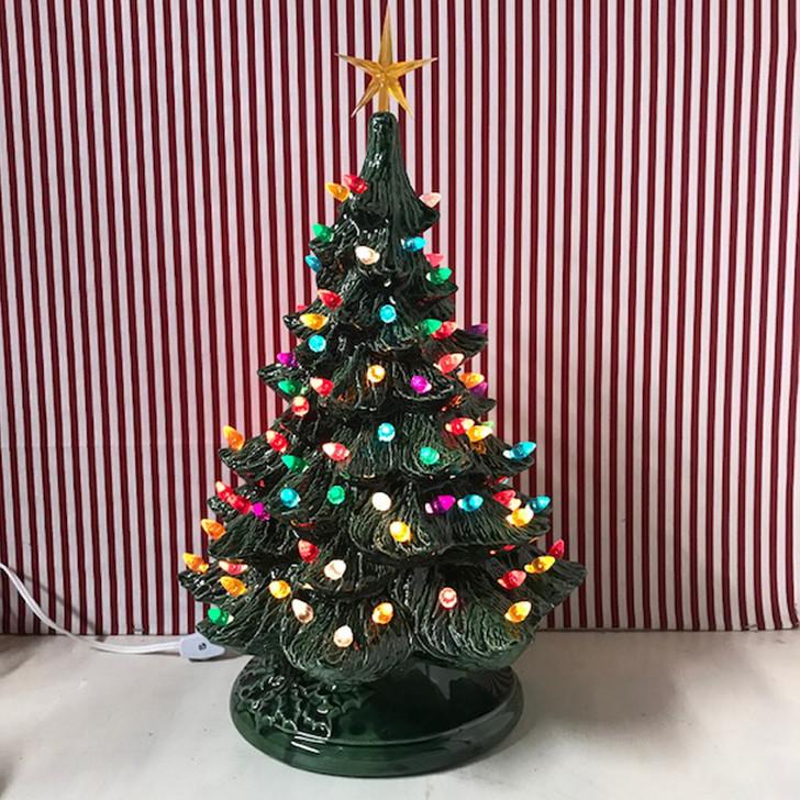 "Medium lyset grønt keramisk juletræ 17 """