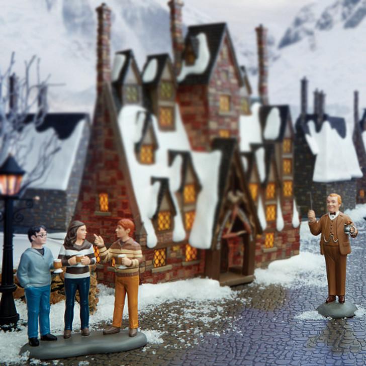 Department 56 Harry Potter Village Professor Slughorn & the Trio Figure 6006515