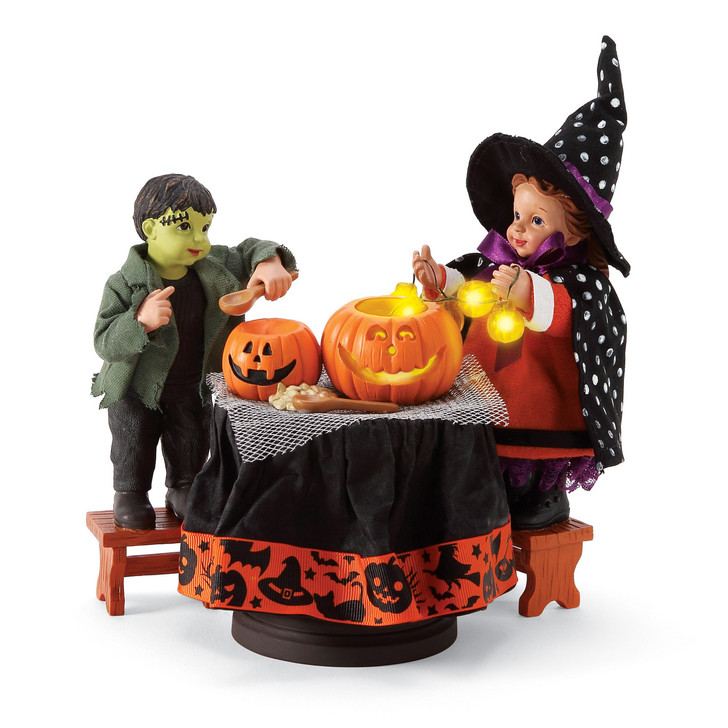 Department 56 Possible Dreams Carving Pumpkins Lighted Halloween Figure 6006455
