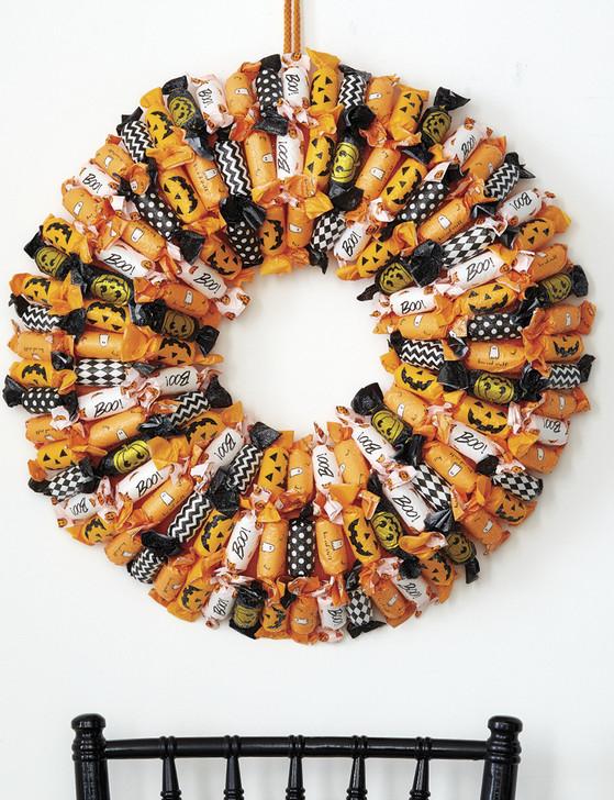 """Raz 20"""" Wrapped Candy Halloween Wreath W4016184"""