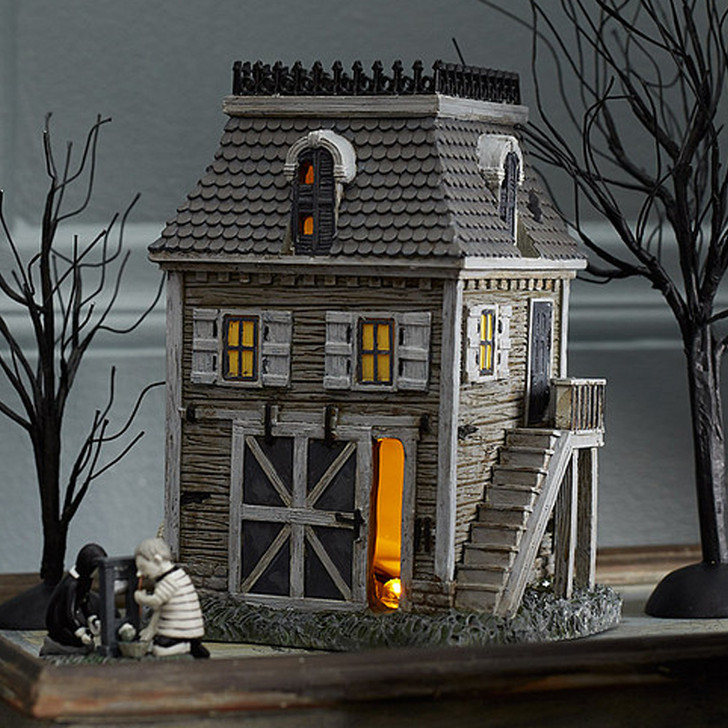 Department 56 Addams Family Village The Carriage House 6004825