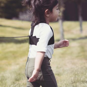 Diono Sure Steps Toddler Leash & Harness for Child Safety, With Padded Shoulder Straps For Child Comfort [Black]
