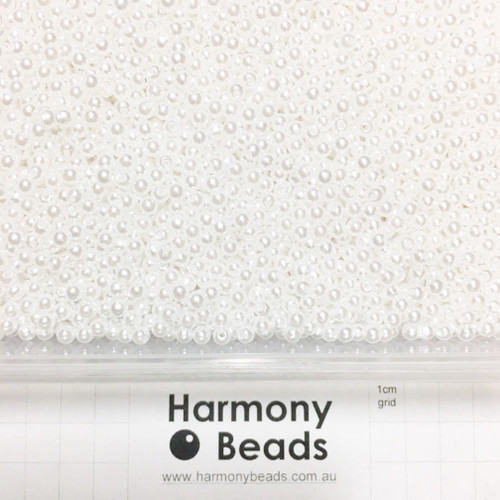 Acrylic Plastic Pearls Round Pearl Beads - 4mm - WHITE