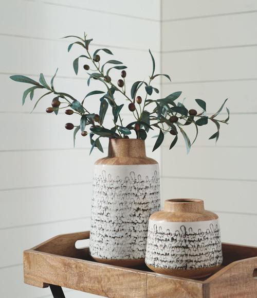 Meghan Tan/Black Vase Set img
