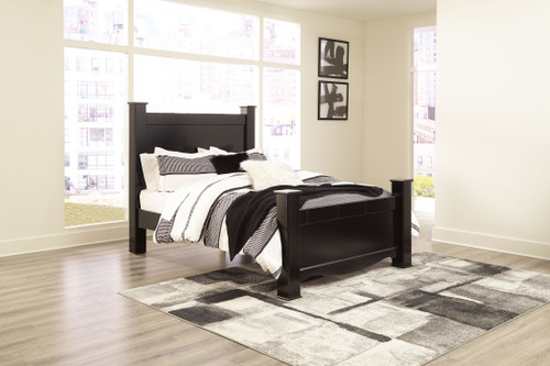Mirlotown Almost Black Queen Poster Bed img