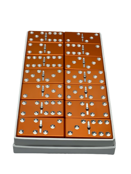 Orange Dominoes, Dominoes