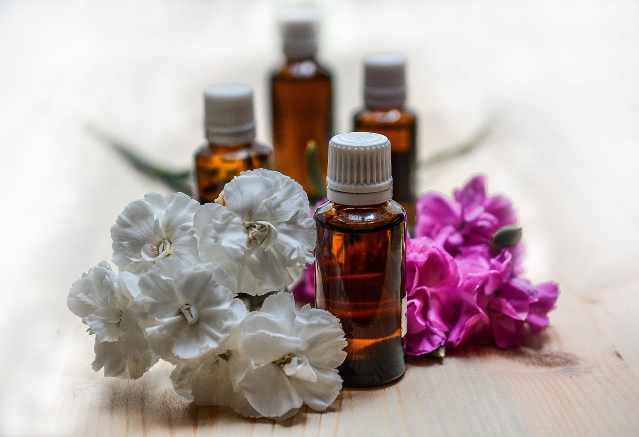 Essential Oils and Carrier Oils