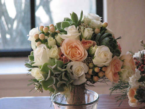 roses and succulent wedding bouquete