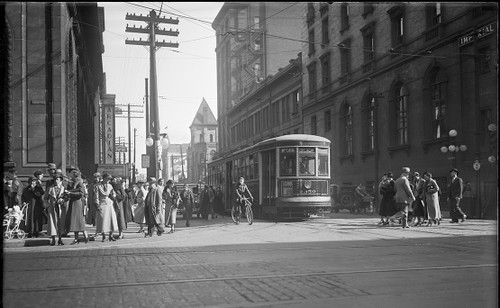 Archival photo print of Queen/Yonge in 1934