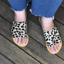Hide Slide - Snow Leopard