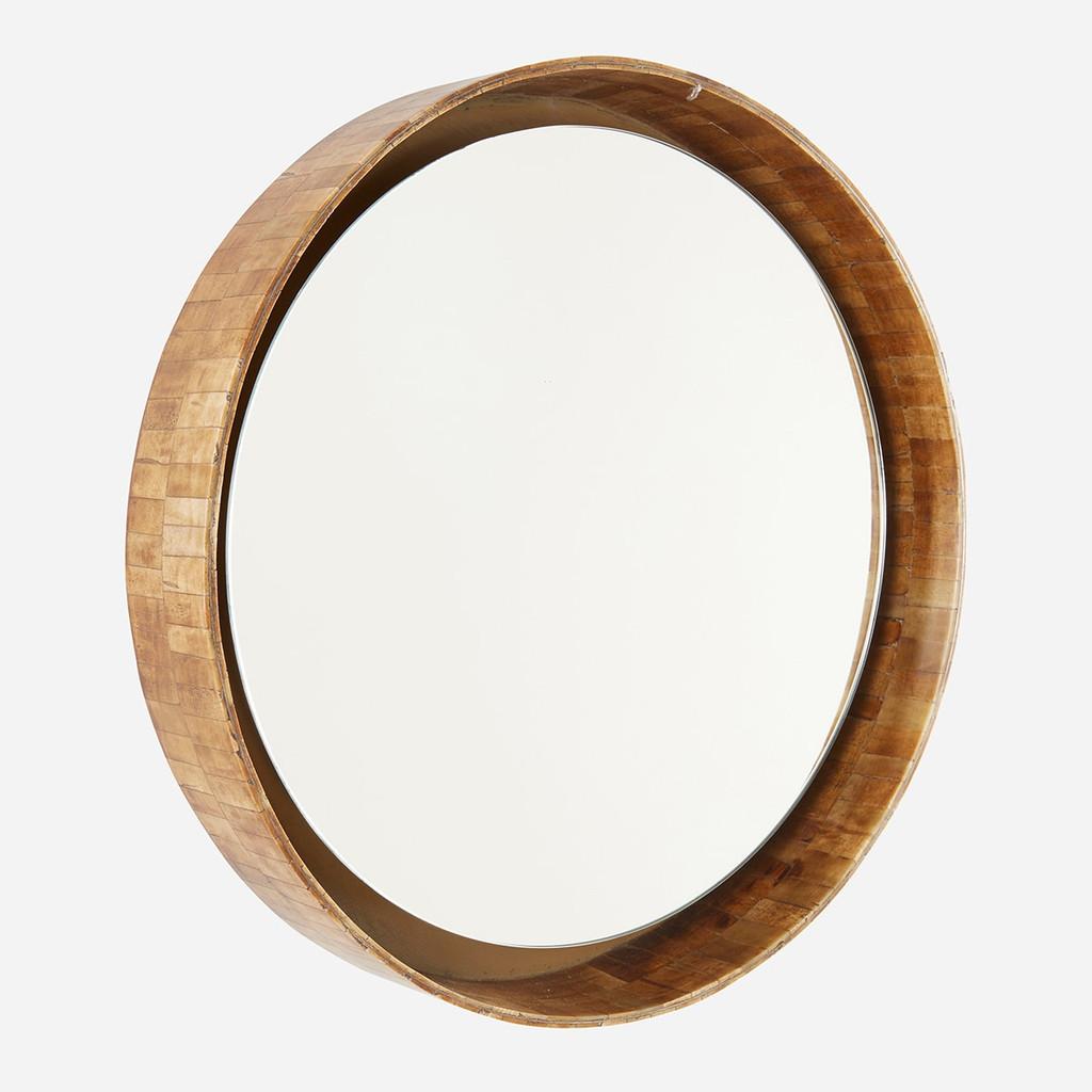 Bone Mirror, Medium