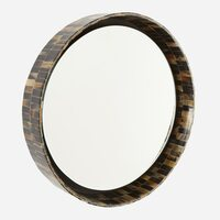 Horn Mirror, Medium