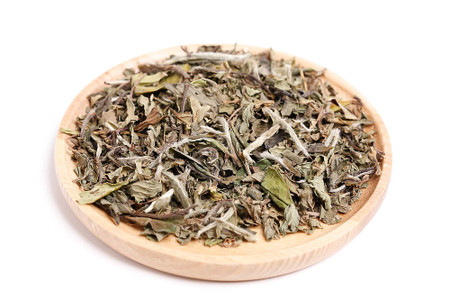 white tea with peppermint and spearmint