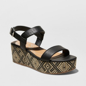 Women's dv Brynn Ankle Strap Woven wedge and cushioned sole