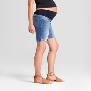 Ingrid & Isabel Women's Maternity Jean Shorts - Medium Wash - 4