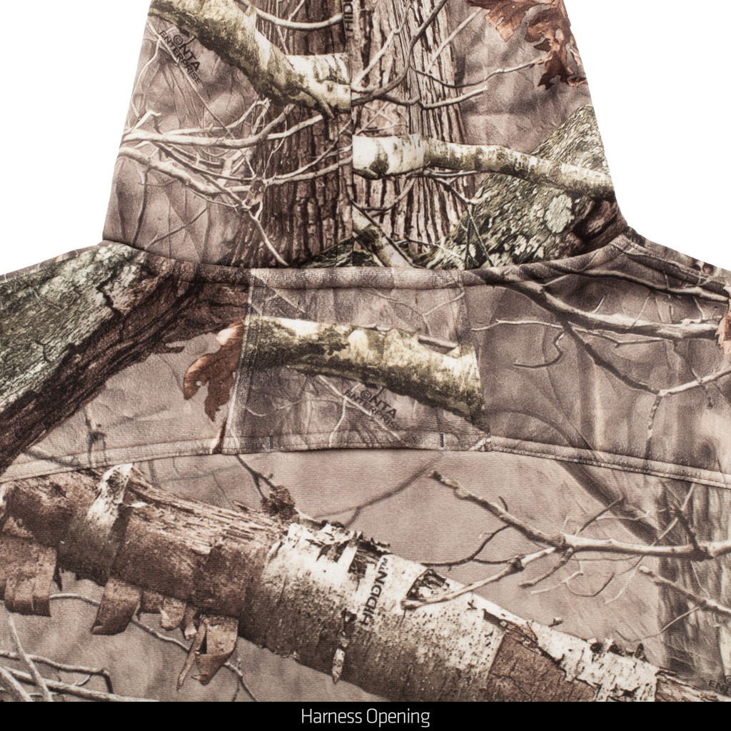 Heavy Weight Hunting Jacket - Harness opening.
